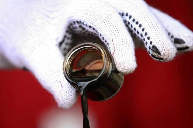 Petróleo: Corren las apuestas, unos ven un precio bajo y otros, uno alto