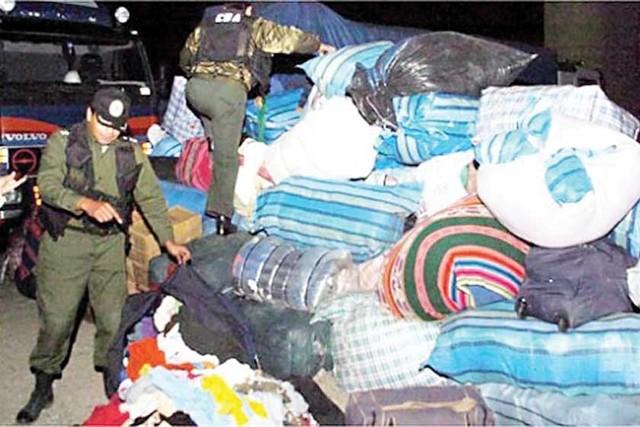 Aduana decomisó 630 toneladas de ropa usada