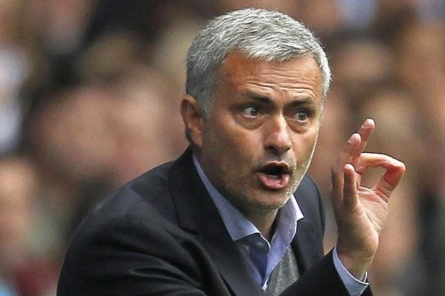 Mourinho es sancionado por criticar a sus propios jugadores y a los árbitros