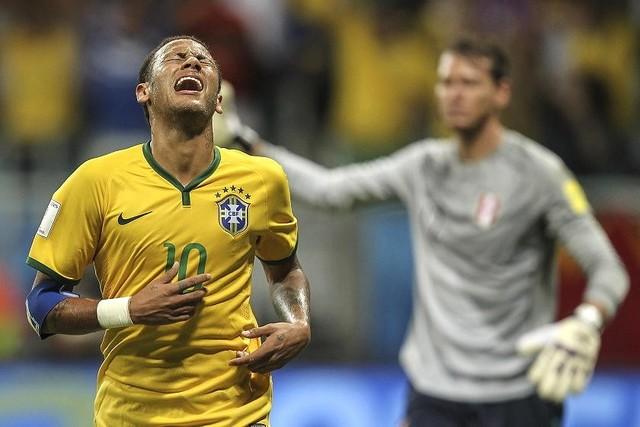 Brasil golea a Perú y asciende al tercer lugar en la clasificación