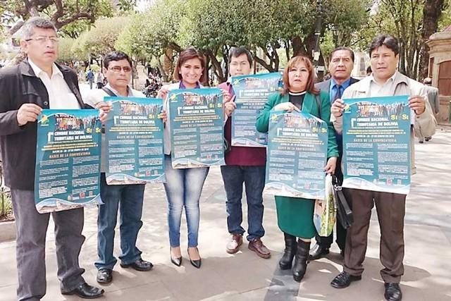 Contribuyentes lanzan en Sucre su cumbre tributaria