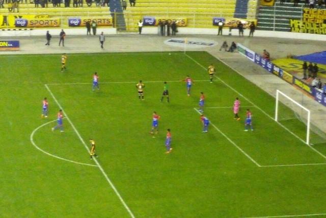 Universitario suma su primera derrota en el Clausura