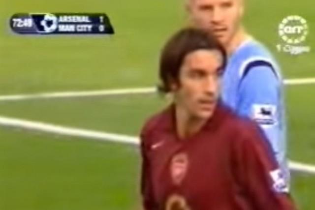 """El día en que Pires y Henry hicieron el ridículo con """"penal a lo Messi"""""""