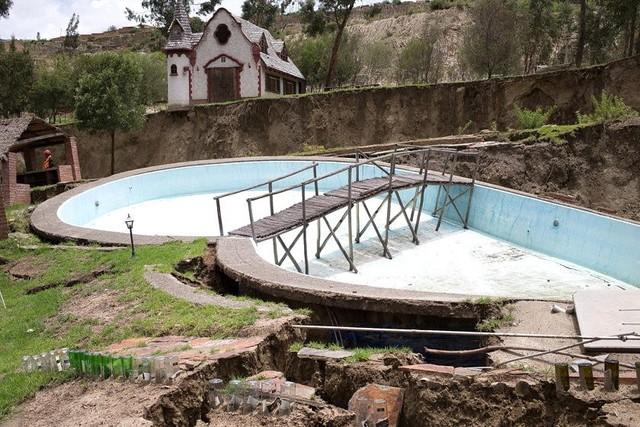 Catastrófico deslizamiento en Jupapina arrasa con viviendas y deja varias familias damnificadas