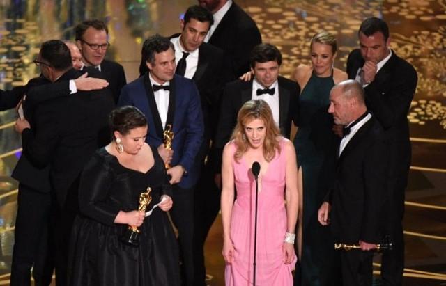 """""""Spotlight"""" e Iñarritu triunfan en unos Óscar dominados por """"Mad Max"""""""