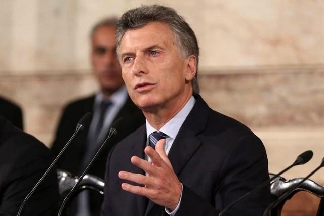 """Macri apela a unidad para superar la situación de """"fragilidad"""" de Argentina"""