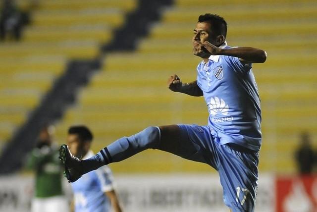 Bolívar golea a Cali y respira en la Libertadores