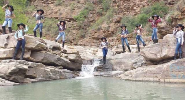 Miss Chuquisaca promueve turismo en Presto