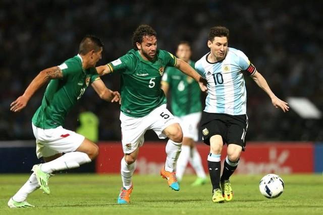 Bolivia cae ante Argentina en Córdoba y se complica en la tabla