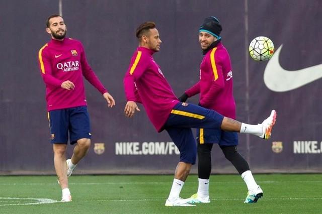 El Barcelona realiza el último entrenamiento antes del clásico