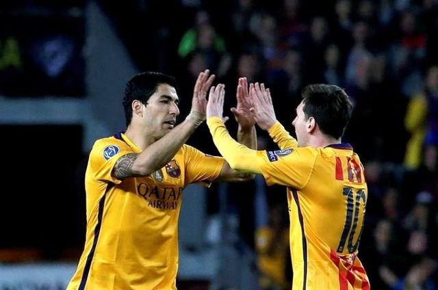Un doblete de Suárez deja todo abierto para la vuelta entre el Barça y Atlético