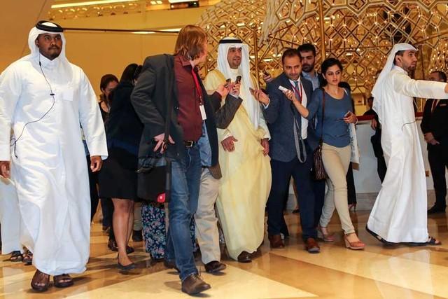 Crudo: Precios bajan y suben tras falta de acuerdo en Doha