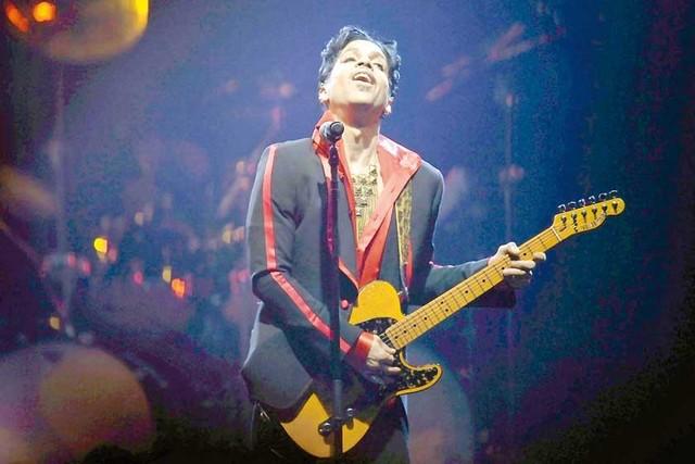 El mundo llora la partida de Prince, el genio del pop