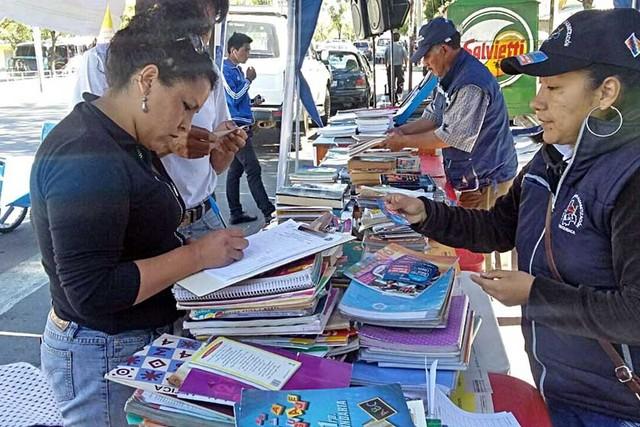 Campaña de recolección  de libros supera previsión