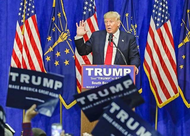 El huracán Donald Trump divide el corazón de los republicanos