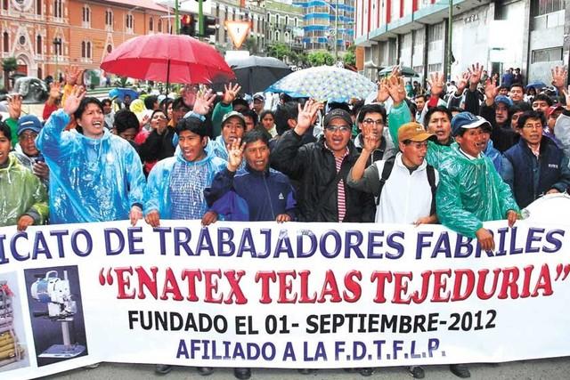 Movilizaciones seguirán por despidos en Enatex