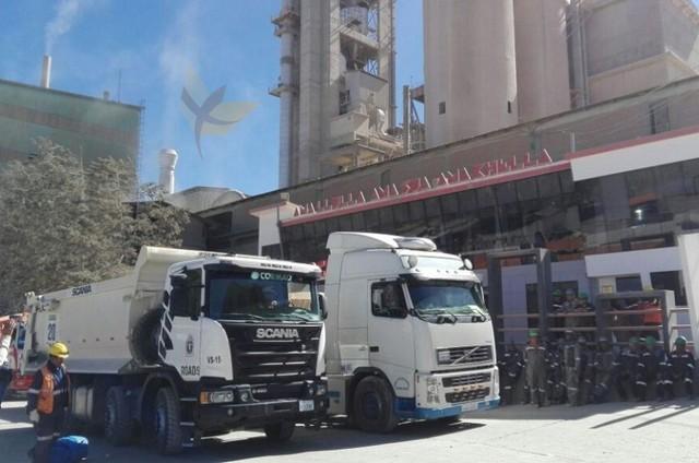 Fancesa envía un convoy de 13 vehículos escoltados por policías y trabajadores