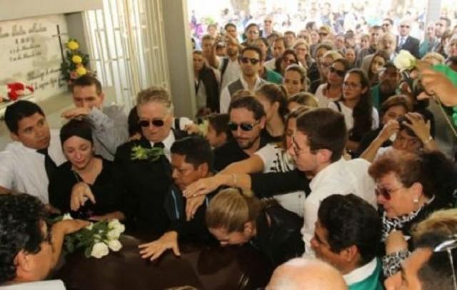 Dan el último adiós a Pedro Rivero Mercado, director de El Deber
