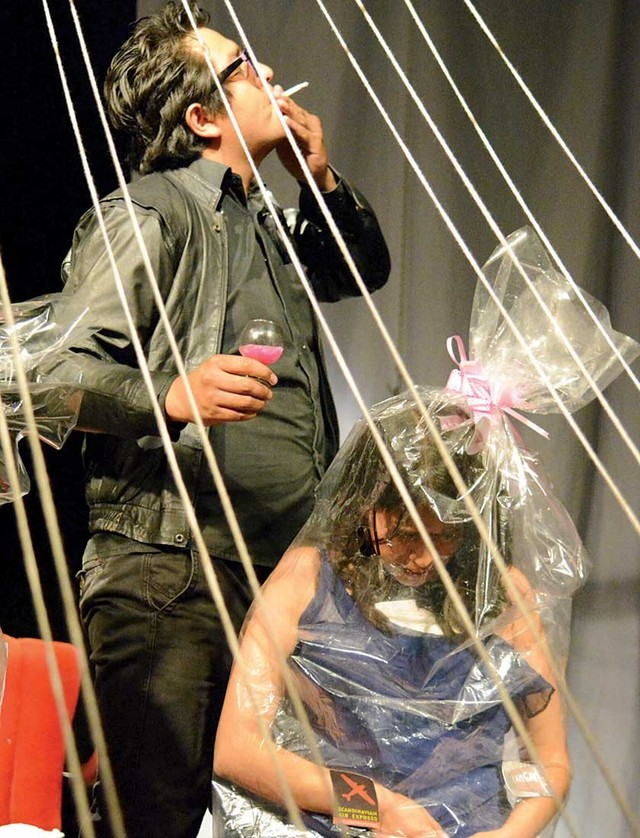 Tetraskel, un acercamiento al teatro que cuestiona