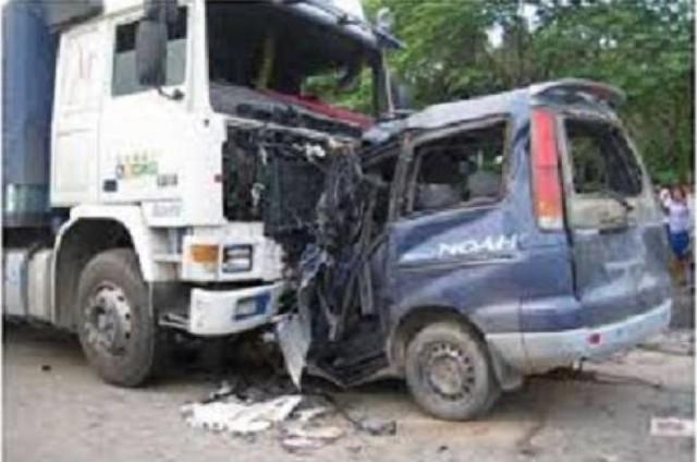 Ómnibus provoca choque múltiple en Cochabamba: 4 fallecidos