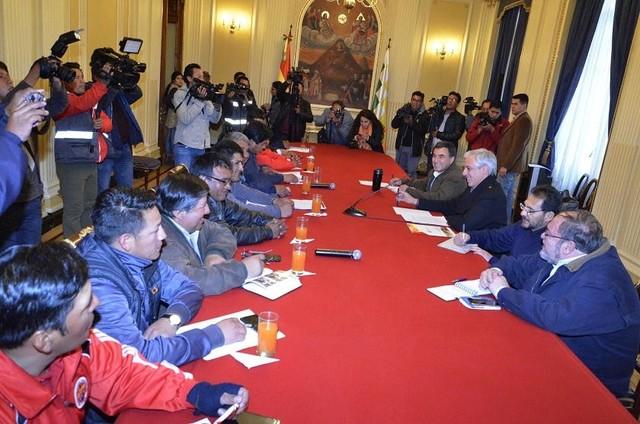 Diálogo Gobierno y COB ingresa en nuevo cuarto intermedio
