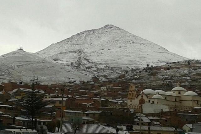 Nevadas provocan alerta roja en Potosí y naranja en La Paz, Oruro y Tarija