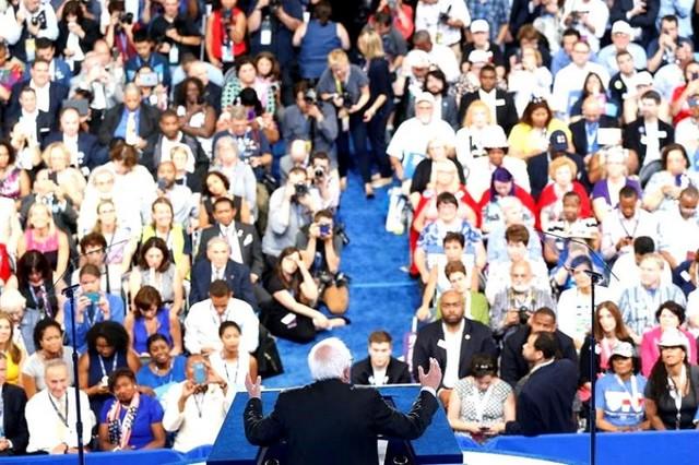 Comienza proceso para elegir a Clinton como candidata presidencial demócrata