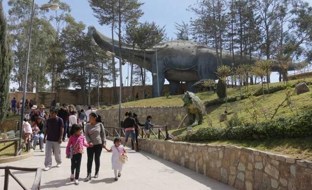 Miles de visitantes celebraron los diez años del Crétacico
