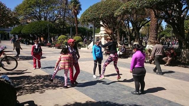 Sucre vive el Día del Peatón con juegos, deporte y baile