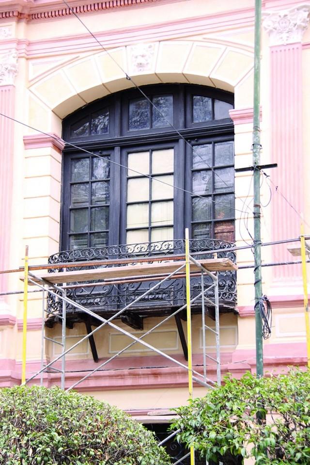 """La fachada del """"Telégrafo"""" recupera su color original"""
