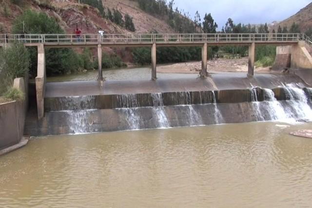 Suministro de agua se normalizaría el jueves tras aumento de caudal en río Ravelo