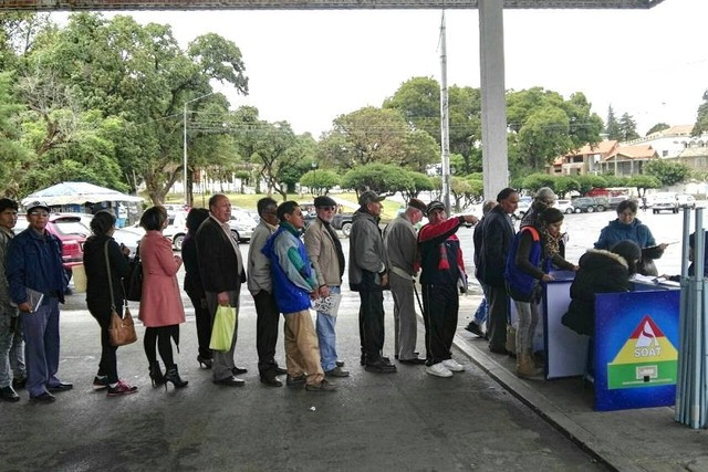 Sucre: Vuelve la venta de SOAT pero con varios contratiempos para los interesados