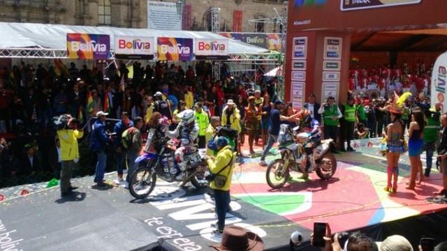 El Dakar irrumpe en La Paz