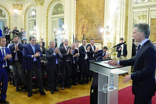 Macri anuncia el desarrollo del campo gasífero de Vaca Muerta
