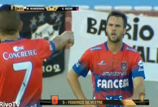 Universitario es eliminado de la Libertadores en un partido movido