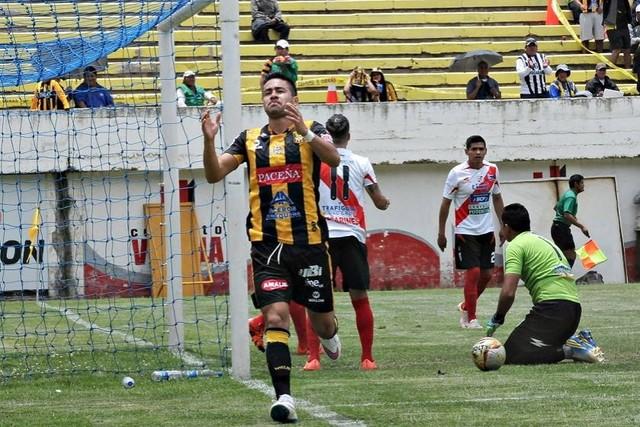 El Tigre sumó otros tres puntos en su estadio de Achumani