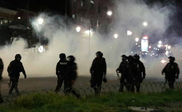 Policía vuelve a gasificar a cocaleros de Los Yungas