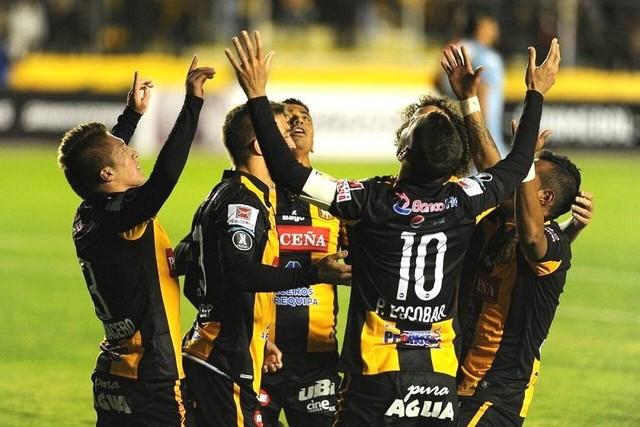 The Strongest destroza a Unión Española y avanza a grupos de la Libertadores