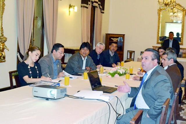 Los privados y el Gobierno reabren mesas de diálogo