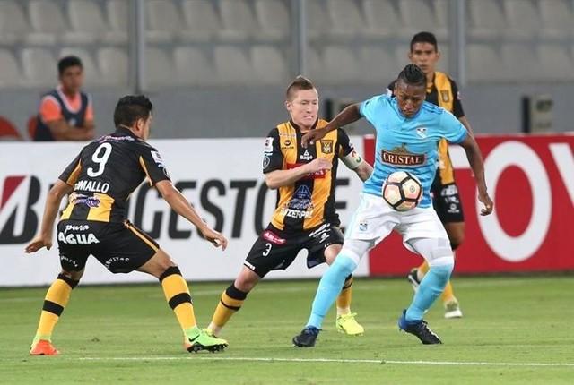 The Strongest saca empate clave al Sporting Cristal en Lima