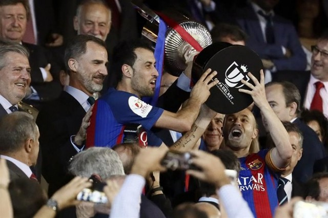 Barcelona se lleva la corona del rey