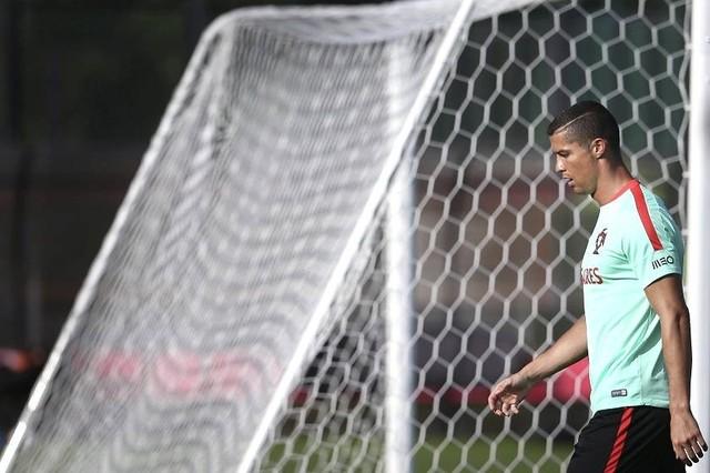 """Cristiano está """"triste y molesto"""" y quiere dejar el Real Madrid, dice la BBC"""