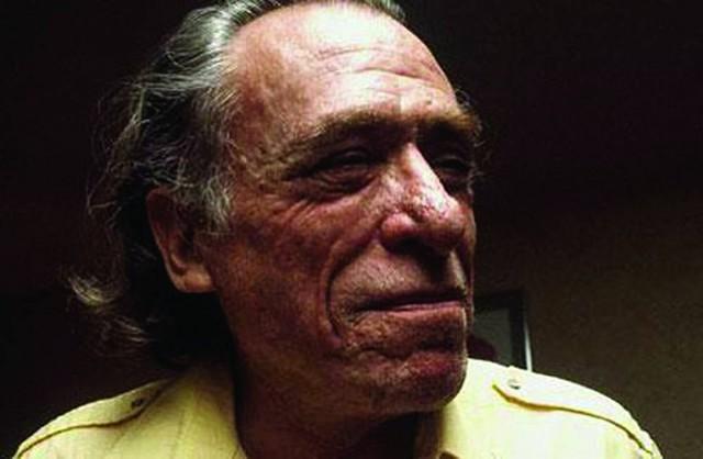 Mondacca se pone la piel de Bukowski