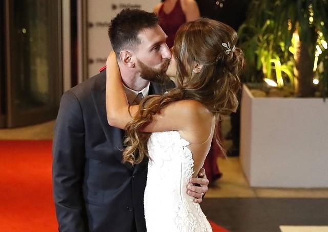 """Messi dijo """"Sí quiero"""" y se convierte en esposo de Antonella Roccuzzo"""
