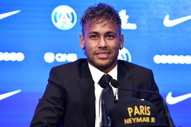 """Neymar dice que fichó por el PSG porque buscaba """"un nuevo desafío"""""""