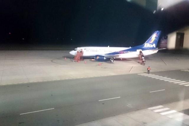 Aeronave comercial de BoA sufrió demora y llegó a Alcantarí pasada la medianoche