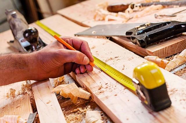Carpinterías y barracas sufren caídas estrepitosas en sus ventas