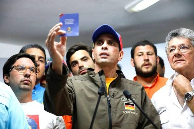 Capriles dejará la alianza opositora venezolana MUD si sigue Ramos Allup