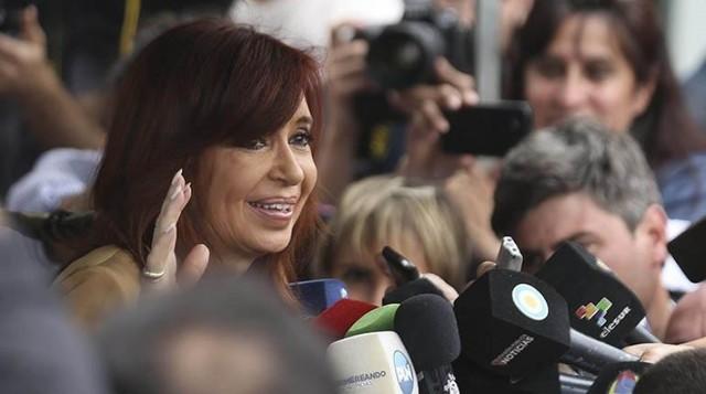 Confirman orden de prisión preventiva para Cristina Fernández
