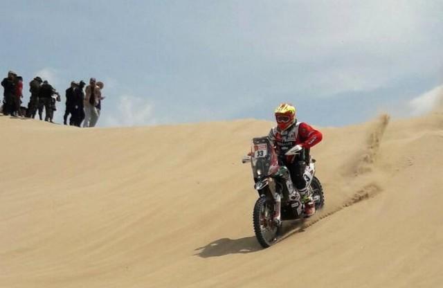 Daniel Nosiglia acaba octavo en una primera etapa dominada por Sunderland en motos